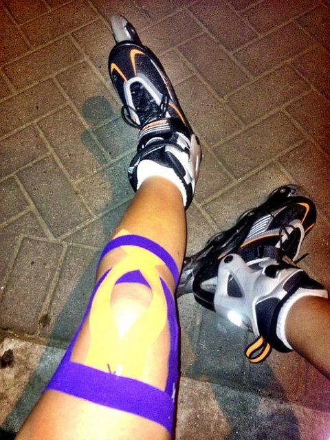 KT Tape knee support application ---> this looks better with the anchors... More support! I suppose I should get some KT tape!!