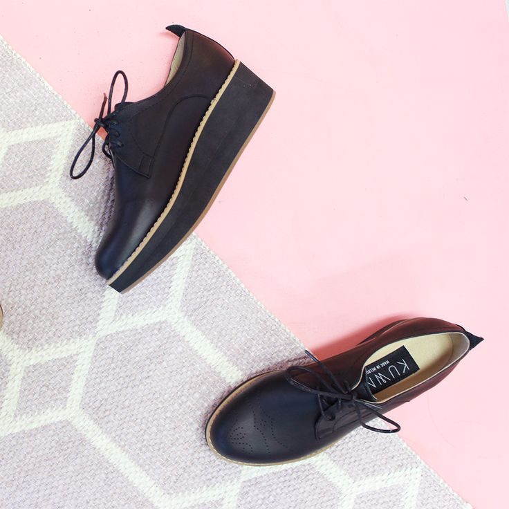 Kuwaii Classic | Darby Classic Platforms in Black