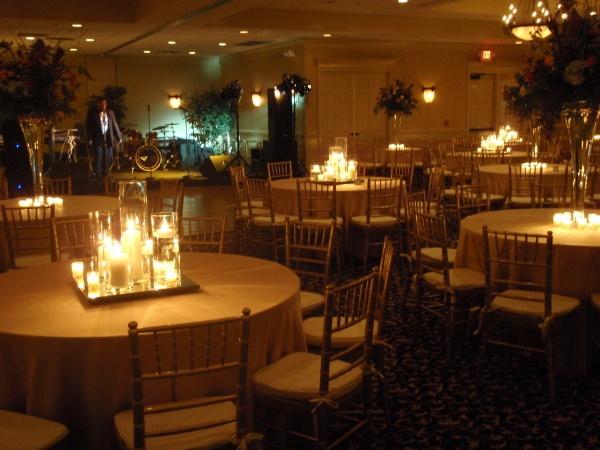 Old Towne Athletic Club RestaurantWedding ReceptionsMarietta GeorgiaAthleticCenterpiecesTwist