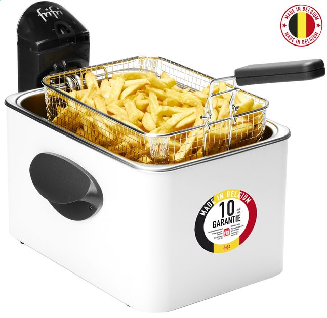 La friteuse Frifri 4528B à zone froide convient parfaitement pour préparer 1,4 kg de frites par cuisson grâce à sa capacité d'huile de 4,5 l.