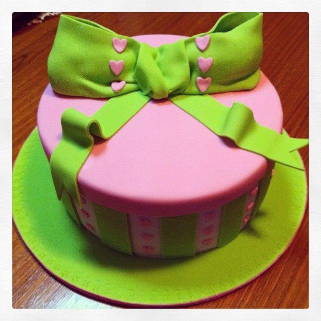 Gift Box Cake #imadeacake