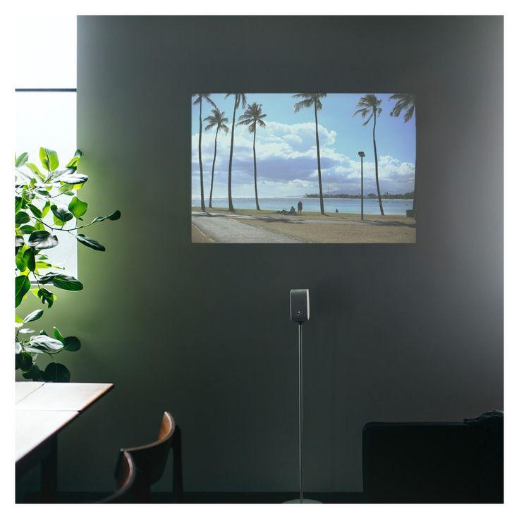Le Sony LSPX-P1 est la solution permettant de projeter une image sur tous types de supports avec sur courte portée : mur, table, plancher… Idéal si vous n'avez pas la place chez vous pour un grand téléviseur !