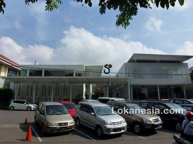 S2 Cafe Jl. Sisimangaraja No. 19C Semarang