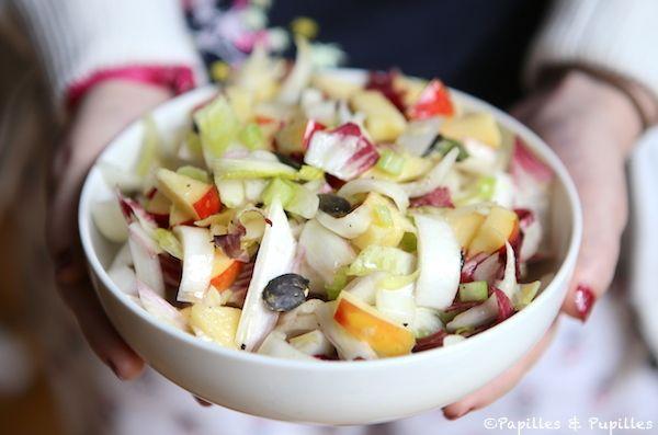 Salade d'endives, pommes, céleri et graines de courge »