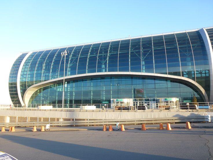 Домодедово заявил о сокращении очередей на вход в терминал