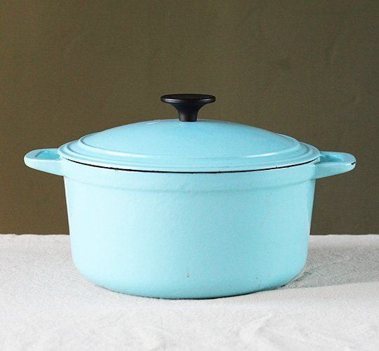 how to clean a stained le creuset pot