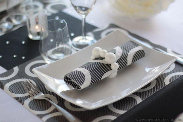 Un décor de table Noir & Blanc, pour une ambiance jeune et originale