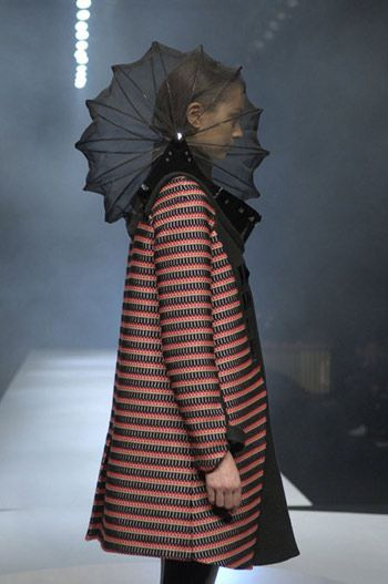 Airborne 2007 Collection by Hussein Chalayan