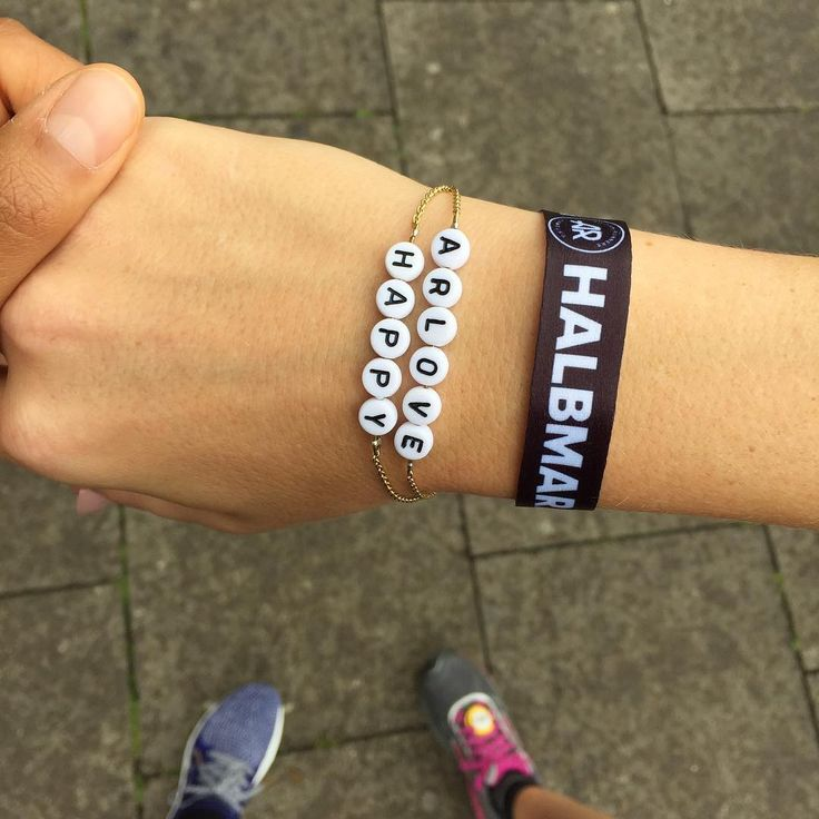 GOOD MORNING HELLA HALBMARATHON .  Let's rock it  Custommade bracelets via Wald Online ❤  @adidasrunnersde  @adidasrunning @adidaswomen #arlove #whyirun #heretocreate #myjoy #wsgcr #happy #waldgirls #waldberlin #waldcollection #waldonline