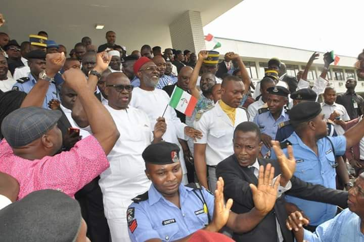 NEWS IN PICTURES: See How PDP Governor Senators Makarfi And Others Celebrate PDP Victory At Supreme Court