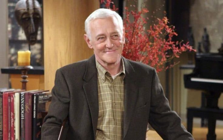 British-born actor John Mahoney, who starred as Martin Crane in US sitcom Frasier, has died, his manager said.