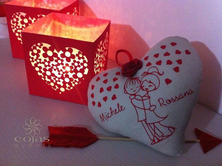 romantico cuore in tessuto di lino, personalizzato. Scenografici paralumi in cartoncino traforato. fatto a mano cœcojaseventi.com https://www.facebook.com/pages/Cojas-Eventi-Wedding-Planner-Sardegna/192376730792148?ref=hl