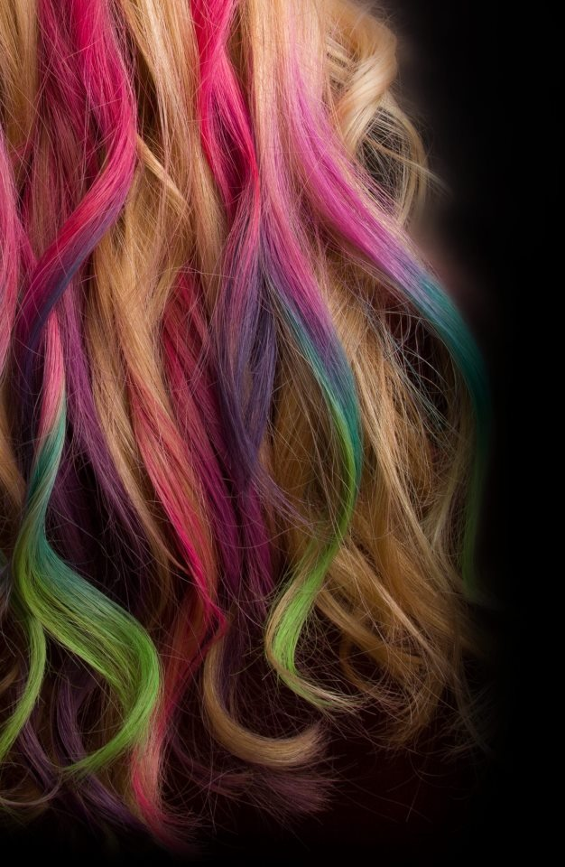 rainbow hair chalking... Get my bright colored hair without it being permanent!
