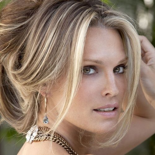 This Is How Molly Sims Meal Preps for Her Family of 5