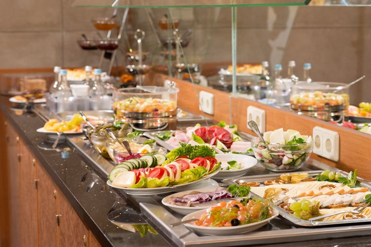 Das reichhaltige Zarenfrühstück wird täglich von 07.00 bis 10.00 Uhr serviert. Am Wochenende servieren wir unser Frühstück von 07.00 bis 11.00 Uhr.