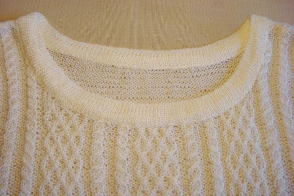 Как обработать горловину пуловера двойной резинкой