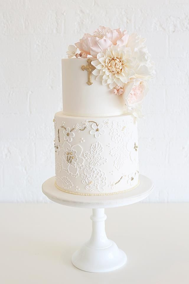 Christening cake with vintage lace and blooms - by Sweet Bloom Cakes