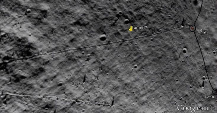 Túneis na Lua? Além das numerosas anomalias encontradas na superfície lunar, caçadores de OVNIs encontraram misteriosos túneis visíveis nas imagens de satélite da Lua, as quais teriam sidoeventual…
