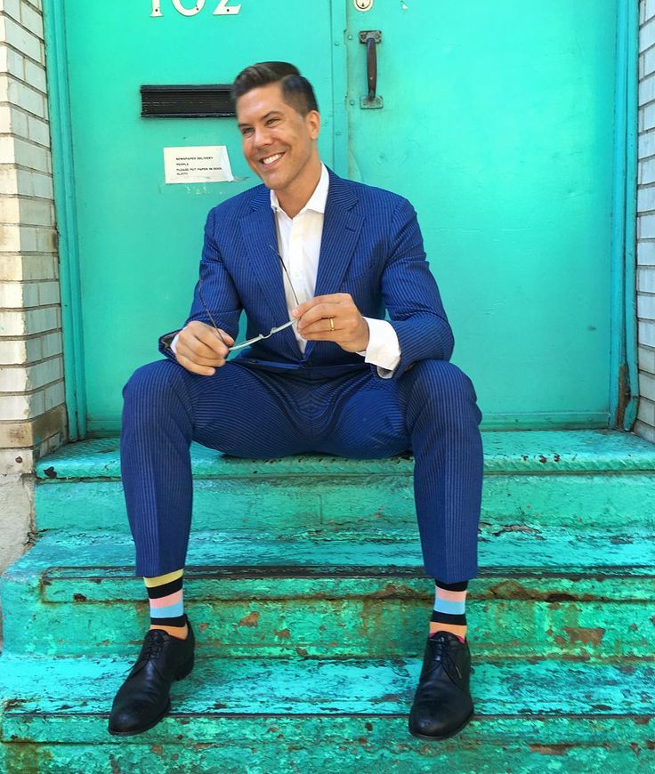 Celebrity fashion : Fredrik Eklund style. Fredrik Eklund in Happy Socks ! @fredrikeklundny #happysocks #happinesseverywhere