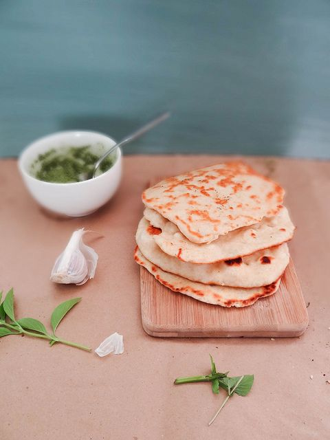 Homemade garlic naan - in 5 minutes