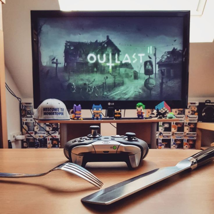 The meal is served! Hello horror fans who plays Outlast II and what are your favourite horror games?   I'm really easy to scare that's why I rarely play this type of games  The first Outlast game was so intense for me I'm really excited to play the second game   #outlast2 #outlast #horror #horrorgame #monster #xboxone #xbox #pork #ps4 #nerd #nerdy #game #gamer #games #collection #collector #popvinyl #popvinylfigure #funkopop #batman #joker #nerdstagram #instanerd #gamestagram #instagamer