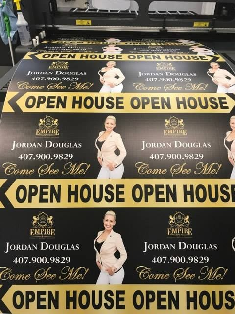 Beautiful Realtor signs!