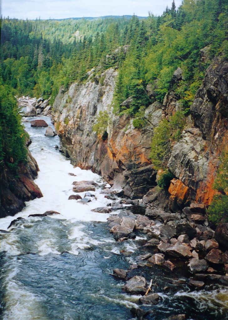 Pukaskwa National Park, Ontario (725 sqaure miles)