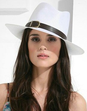 Dobbs Hats Dobbs hats are the most fashionable and superior line of hats. Quite similar to fedoras, Dobbs hats have a stiff or firm fitting. http://glamorousfansons.blogspot.com/2010/10/hot-hats-for-fall.html?m=1