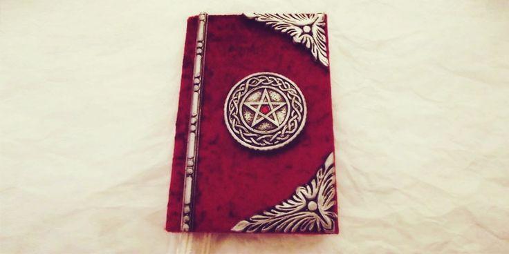 Como hacer tu propio libro de hechizos