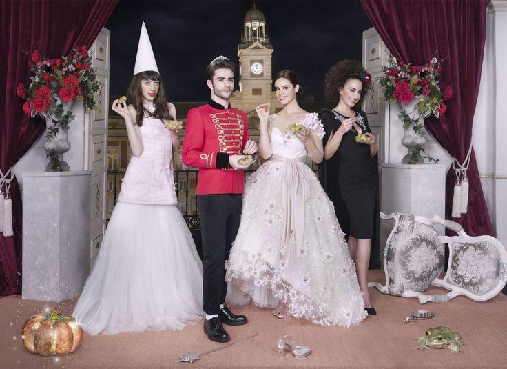 Marta Torné presentadora del programa Cambiame de Telecinco luce un vestido de fiesta de la nueva colección 2016 de Pepe Botella  elegido para la promo de Fin de Año.