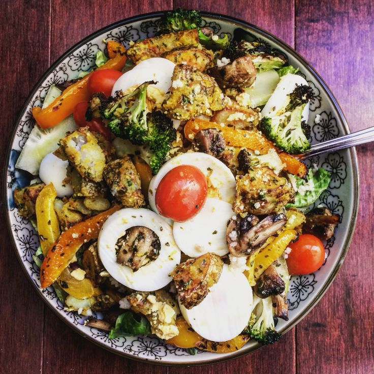 feeding my face  | flavours permitting, mix your food together ! mask what you don't like so much with what you like a lot | it's like a spoon full of sugar ... | potato ( honey/mustard powder).lettuce.tomato.cucumber.roasted:bell peppers/broccoli/mushroom/.leftover cous cous.boiler egg | #hungrygirlchronicles #salad #eatyourvegetables #dinner #leftovers & #freshcooked #food #foodie
