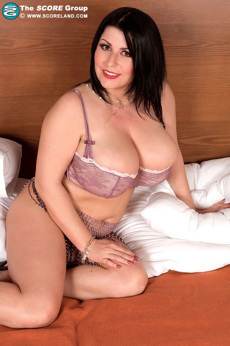 Natalie Fiore Scoreland 74