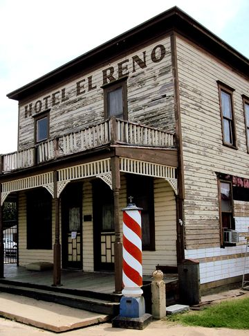 I Wouldn T Say This Was A Trip We Wanted To Take But It Memorable That Turned Out Fantastic The Historic Hotel El Reno Stands In Center