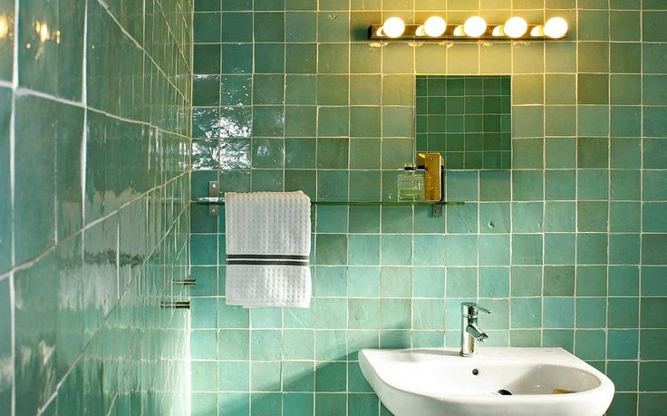 Groene zelliges - badkamerwand