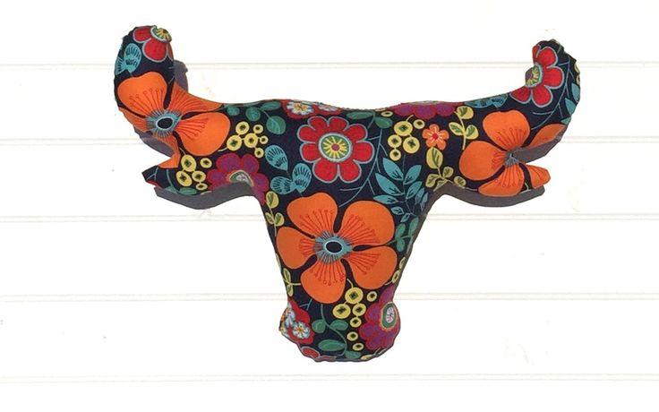 Cow Horns-Frida - faux taxidermy - Rickety Gates