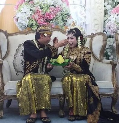 Menyuap pengantin