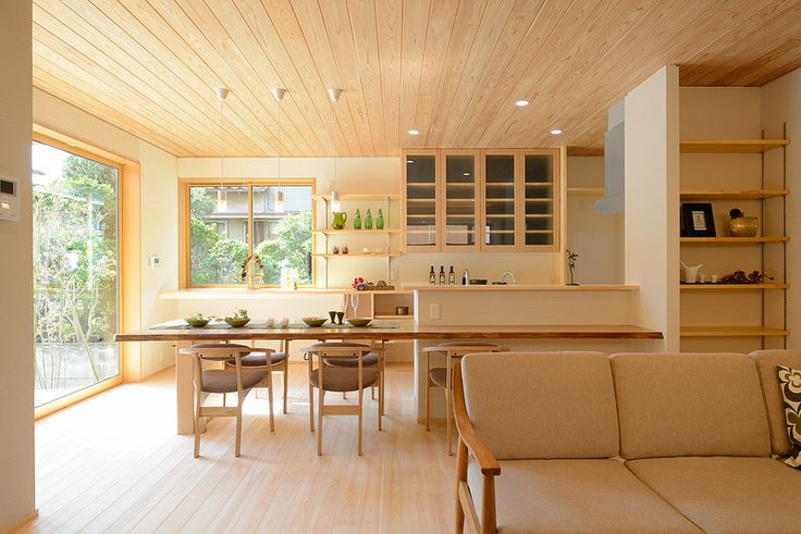 I-A house:明るく風通しの良いLDK。廊下と居室を兼ねることでより広く使える工夫があります。