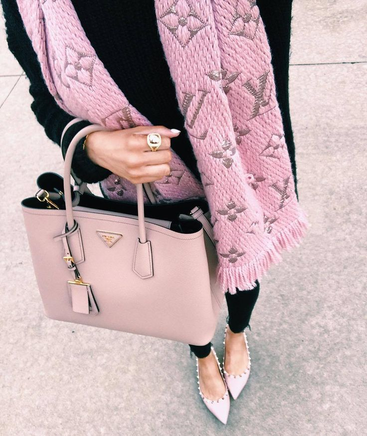 OUTFIT DETAILS : Leggings | Long Sleeve White Tee  |  Similar Cardigan  |  iPhone Case     Now that I ampregnant, I am in pajamas by 7 ...
