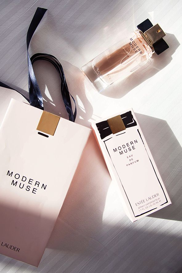 #ModernMuse Profumo by Estee Lauder  Light, airy, and clean. Reminds me of a fresh Spring morning  As someone who loves old-school classics like Beautiful and Youth Dew from Estee Lauder, I was hopeful that Modern Muse would be a staple in my wardrobe.