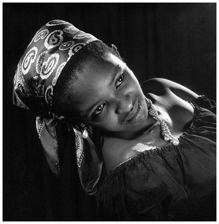 Jürgen SCHADEBERG :: Dolly Rathebe, South Africa, 1955