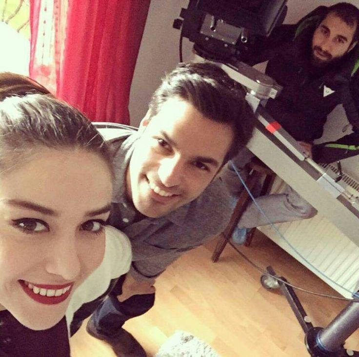 Serkan Çayoğlu & Özge Gürel selfie