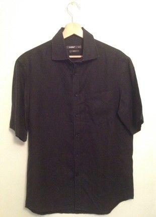 À vendre sur #vintedfrance ! http://www.vinted.fr/mode-hommes/chemises-unies/52825039-chemise-celio-club-noire-tres-bon-etat