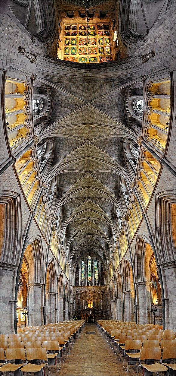 Southwark Cathedral, London.  ** Fabulous photo.