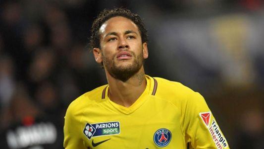 Brazil legend Ronaldo urges Madrid to go after Neymar