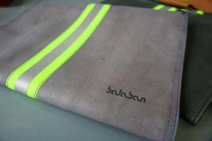 https://flic.kr/p/DeqKgc | balabanbags 16.40 grey leather with phosphor band