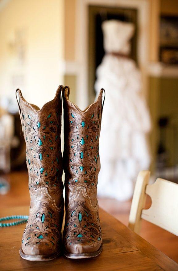 Love!: Cowgirl Boots, Cowboy Boots, Wedding Ideas, Country Wedding, Picture Idea, Weddings, Wedding Dress, Dream Wedding
