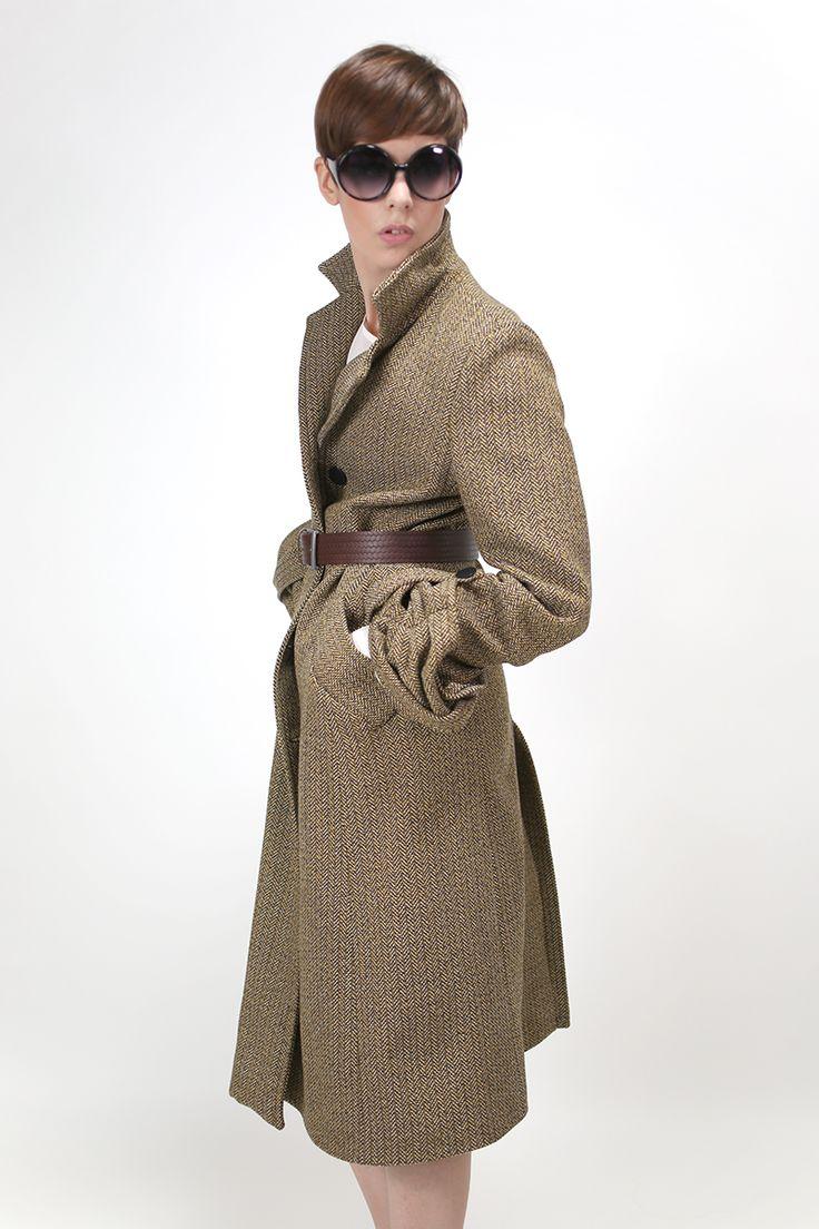 Elegant wool overcoat.  http://www.nmeno1.com/?lens_portfolio=elegant-wool-overcoat
