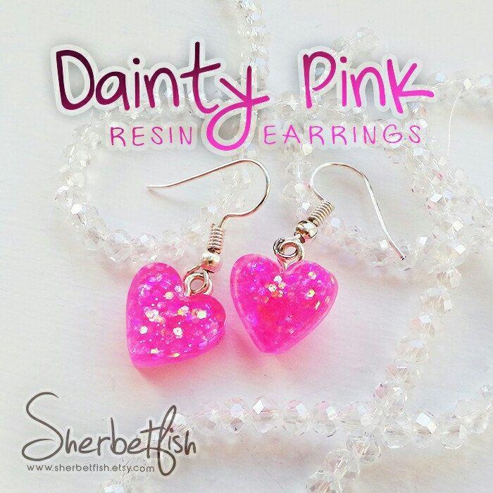 Dainty pink earrings 💕