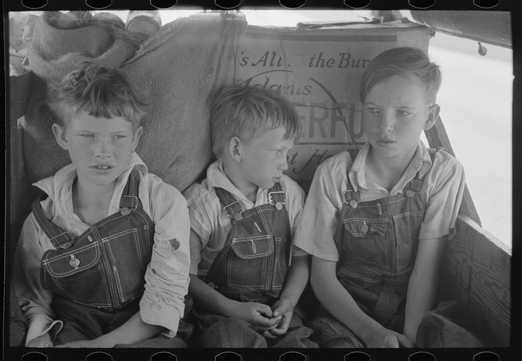 White migrant children sitting in back seat of family car east of Fort Gibson, Muskogee County, Oklahoma   Library of Congress