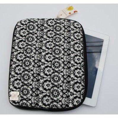 Fekete-fehér mintás iPad tok